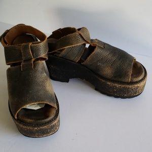 Gee wawa distress platforms wedges sandals 7
